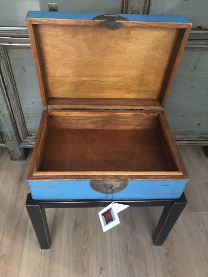 blue tea table